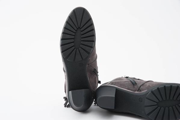 Perlato(ペルラート)10227 Antracite サイドファスナースエードショートブーツ